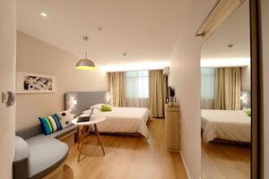 apartment-bed-bedroom-271624