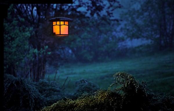 garden-lamp-backyard-light